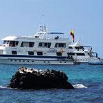 """Unser Schiff - """"Angelito"""" - recht klein und jede Welle war zu spüren"""