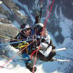 Gleitschirm Tandemflug mit Ski in Werfenweng (Foto: Austriafly)