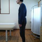 姿勢確認写真 背中の痛み、ストレ-トネック