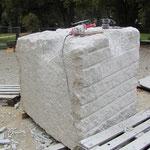07.10.2011 das ist der zweite Stein schon formgebend bearbeitet