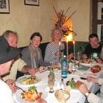 Hauptsache es bekommt allen gut, es ist für alles gesorgt, tägliches Abendessen im Schwarzen Adler in Bernau