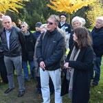 Herr Budd übersetzt die Erklärung von Frau Griesgraber ins deutsche 30.10.2011