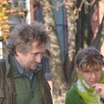 Ansicht der Jugendskulptur Frau und Herr Oswald, Kulturamtsleiterin Frau Oswald-Göritz
