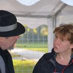Rudolf J. Kaltenbach und Frau Sabine Oswald-Göritz vom Kulturamt Bernau
