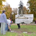 28.10.2011 Aufstellung der Skulptur