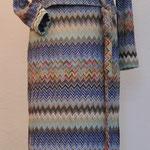 Kleid mit Wickelweste und Schal