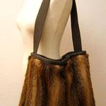 Upcycling Tasche aus Pelz und Leder