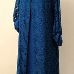 Kleid mit Spitzenmantel