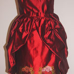 Trachtenkleid mit abnehmbaren Schößchen
