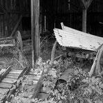 Remise mit altem Leiterwagen