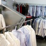 Müden Reinigung GmbH® Filialen, Bilder & Impressionen, Hemden vor Hemdenpuppe