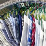 Müden Reinigung GmbH® Filialen, Bilder & Impressionen, Hemden auf Rundständer in GHF