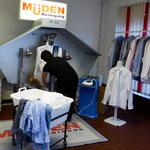 Müden Reinigung GmbH® Filialen, Bilder & Impressionen, Filiale Güdingen, Hemdenkabinett im Einsatz
