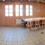 Küche mit grossem Esstisch