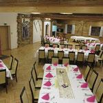 Tischform: Quadrate, Taufe ca. 60 Personen