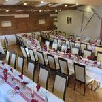 Hochzeit, ca. 120 Personen, Tischform: schräge Reihen