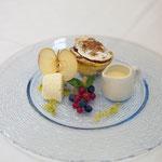 Apfelscheiterhaufen mit Vanilleeis und Calvadossauce