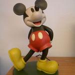 Mickey 32H  19D  1800gr.