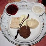 Dieses supertolle, nicht in der Karte stehende, Dessert bekamen wir !!!