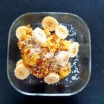 Porridge mit Banane und Kokos