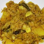 Kartoffel - Weißkohl Curry, Rezept im Buch: S. 143