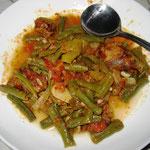 Grüne Bohnen Curry mit Tomate, Rezept im Buch, S. 136