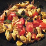 Hühner Curry mit gerösteten Gewürzen, Rezept im Buch: S. 182