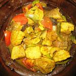 Fisch Curry mit Tomate in Öl angebraten, Rezept im Buch: S. 177