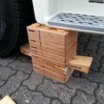 Unterbaumaterial aus Holz, um ein Fahrzeug zu stabilisieren