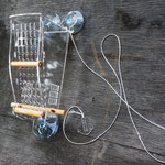 Оригинальная кормушка на окно - Птаха арахисовая