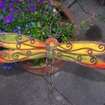 Libelle mit Metall