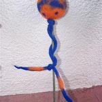 Rosenkugel blau/orange mit Spitze