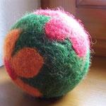 """Spielball mit Rassel """"Blumenwiese"""""""