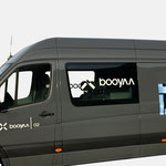 booyaa |Fahrzeugbeschriftung - infragrau, gute Gestaltung, umgesetzt von Scribo Design