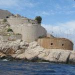 Ausfahrt- Eine Seite Montenegro , die andere Kroatien