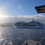 Kreuzfahrschiff vor Dubrovnik