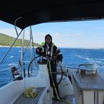 Steuermann Sebastian bei 30kt Wind von Achtern
