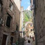 Viele alte Sträßchen in der mittelalterlichen Stadt