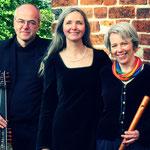 NEW NOYSES - Andreas Düker - Laute & Gitarre / Brita Rehsöft - Sopran / Anke Schmidt-Weisser - Blockflöten