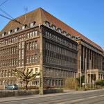Denkmalgeschütztes Verwaltungsgebäude, Rheinischestr.