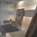 Dazu gehört auch die Schiefertafel, wie sie von den älteren Besuchern auch noch verwendet wurde