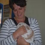 Polly ist zu Julia nach Erzenhausen gezogen.