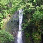藤里町の峨瓏(がろう)の滝