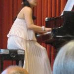 Pianistin vom Chiao-Ai Chor