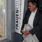 Regierungsrat Martin Jäger vertrat die Bündner Regierung an der 15-Jahr-Feier des Frauenkulturarchivs Graubünden.