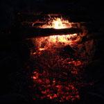 Das Lagerfeuer ist für die Schokobananen bereit