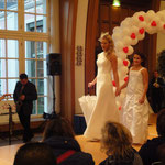 Hochzeitsmesse Bayer Kasino Leverkusen Januar 2012(Agentur Janke),Braut- & Herrenmode Struck, Brautschirm Anja H.