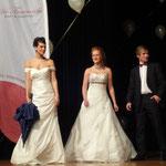 Hochzeitsmesse Jahnbachhalle Lohmar Februar 2012 (Veranstalter Agentur Janke), Brautkleid & Herrenanzug -  Braut- & Festmode Buse, Brautschirm - Anja H.