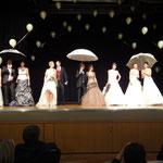 Hochzeitsmesse Jahnbachhallte Lohmar Februar 2012 (Veranstalter Agentur Janke),  Brautkleid - Brautkultur, Herrenanzug - Anzugkultur, Brautschirm - Anja H.
