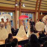 Hochzeitsmesse Bayer Kasino Leverkusen Januar 2012(Agentur Janke), Brautkleid - Brautmoden Buse, Brautschirm - Anja H